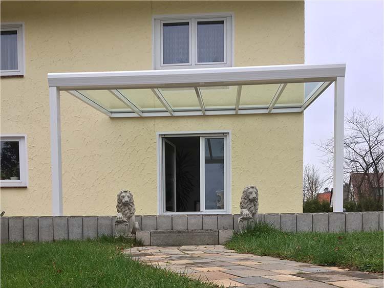 Terrassenüberdachung Top-Paket aus 8mm. Aluminium mit Verbundsicherheitsglas in Weiß