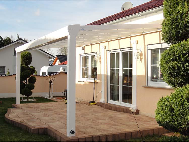 Terrassenüberdachung Top-Paket aus Aluminium und Glas in Weiß