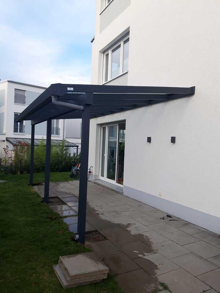 Terrassenüberdachung aus Aluminium anthrazit, 8mm VSG Glas